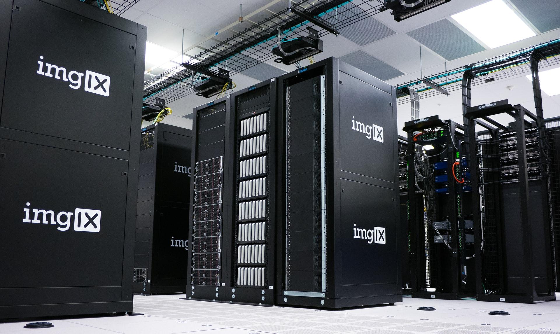 立ち並ぶサーバー