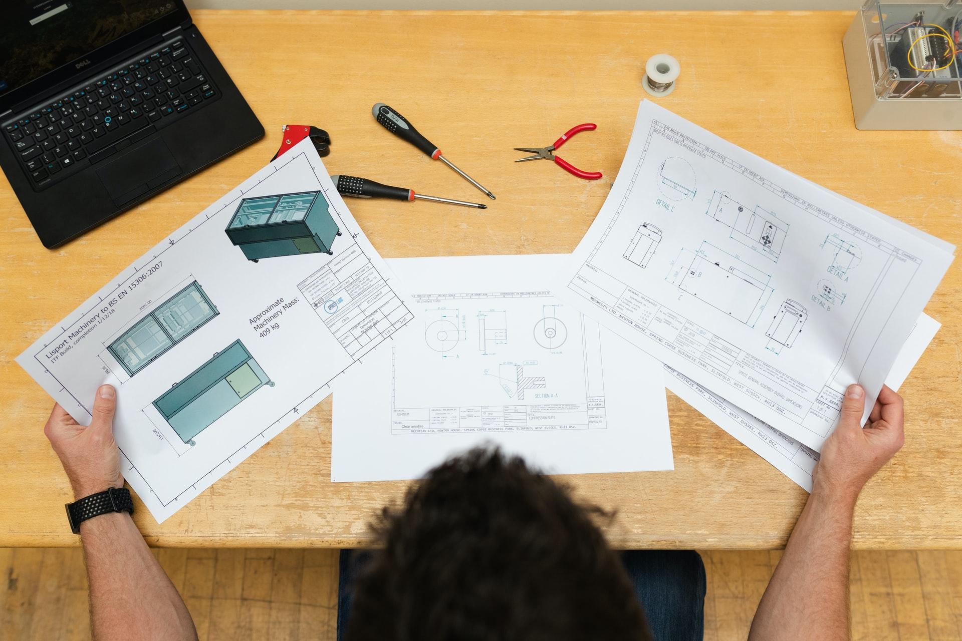 WEBの設計をするエンジニア