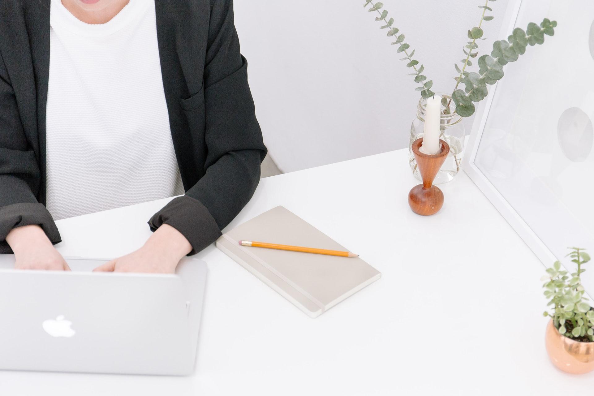オンラインでプログラミング学習をする人