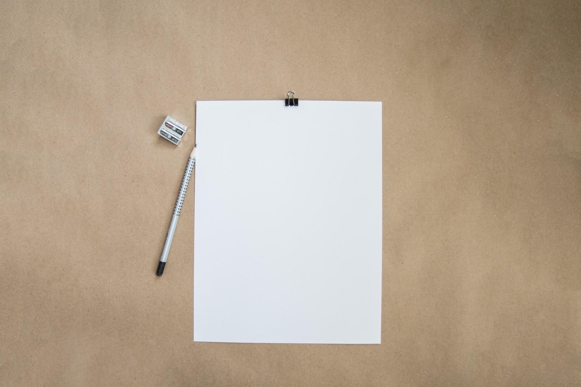 勉強用のノートとペン